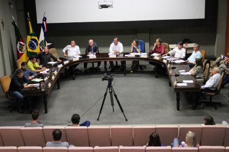 Sessão de muitas votações e debates no 21º dia de março