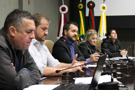 Sócio-proprietário da Lyall Construtora e Incorporadora, Roberto Luchese (c) falou da importância da aprovação do CM 026