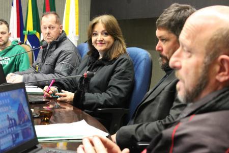 Vereadora Neca Dalmoro (PDT) conduziu a reunião das Comissões de hoje